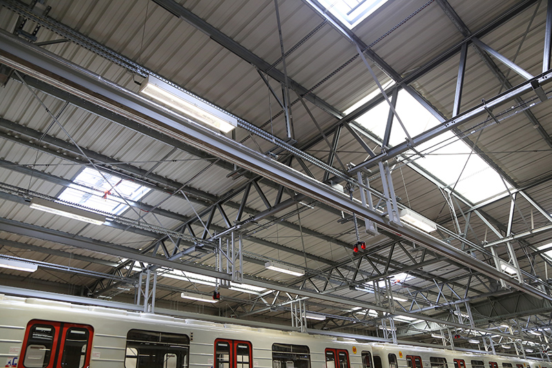 The depot has 14 entry gates and the same number of parking and inspection stations, which are reached by metro trains passing through the track head.