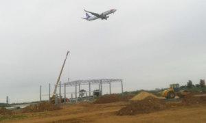 Výstavba showroomu SEAT poblíž letiště Václava Havla