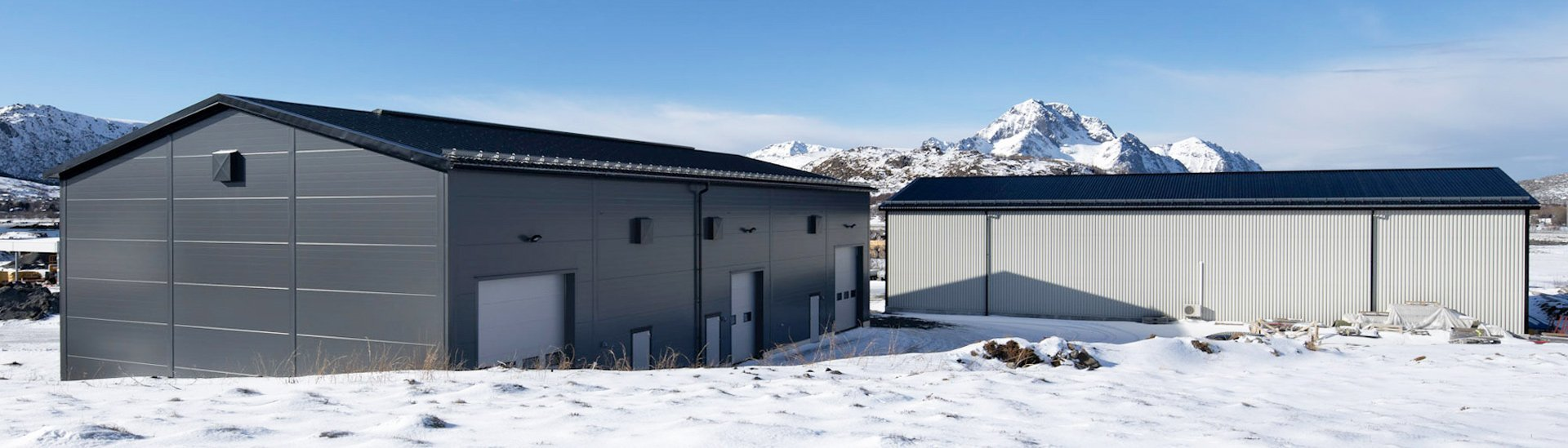 LLENTAB storage building in winter